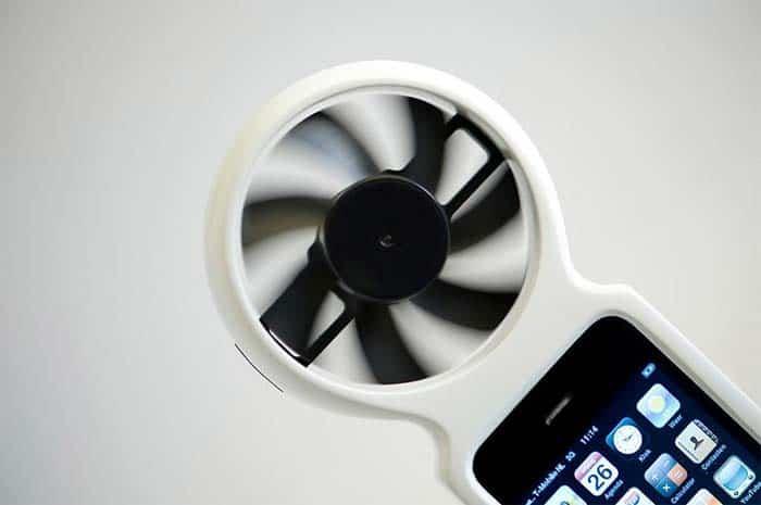 Cargador para móvil de energía eólica